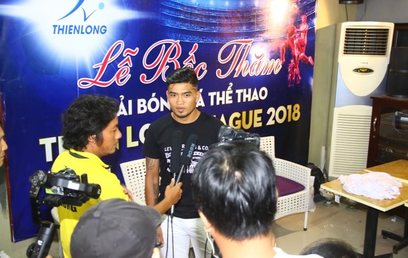 Sân chơi phong trào có cả ngoại binh, cựu cầu thủ V-League - ảnh 3