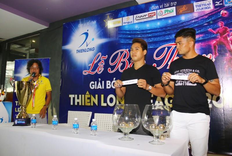 Sân chơi phong trào có cả ngoại binh, cựu cầu thủ V-League - ảnh 9