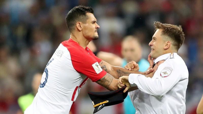 Chung kết World Cup 2018, Lovren xin lỗi Pussy Riot - ảnh 1