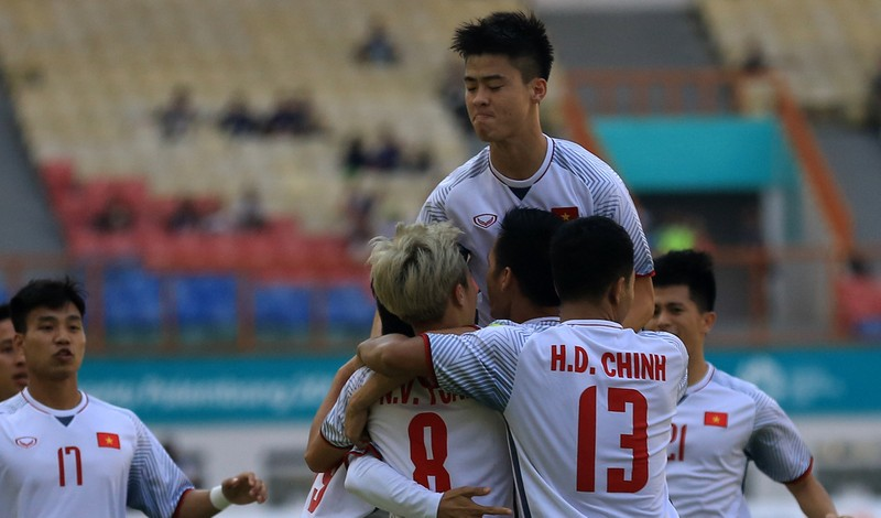 Đảo điên với bóng đá nam Asiad 18 - ảnh 5