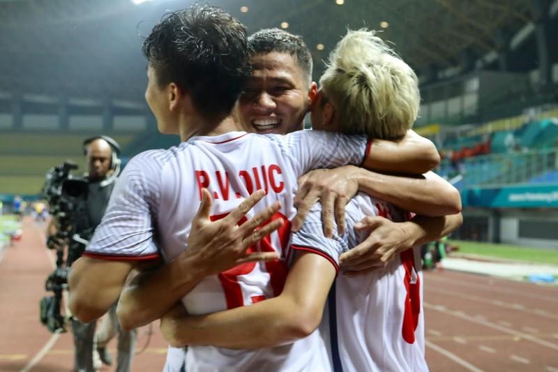 AFC: 'Siêu dự bị' Văn Toàn đưa Olympic VN vào bán kết Asiad 18 - ảnh 2