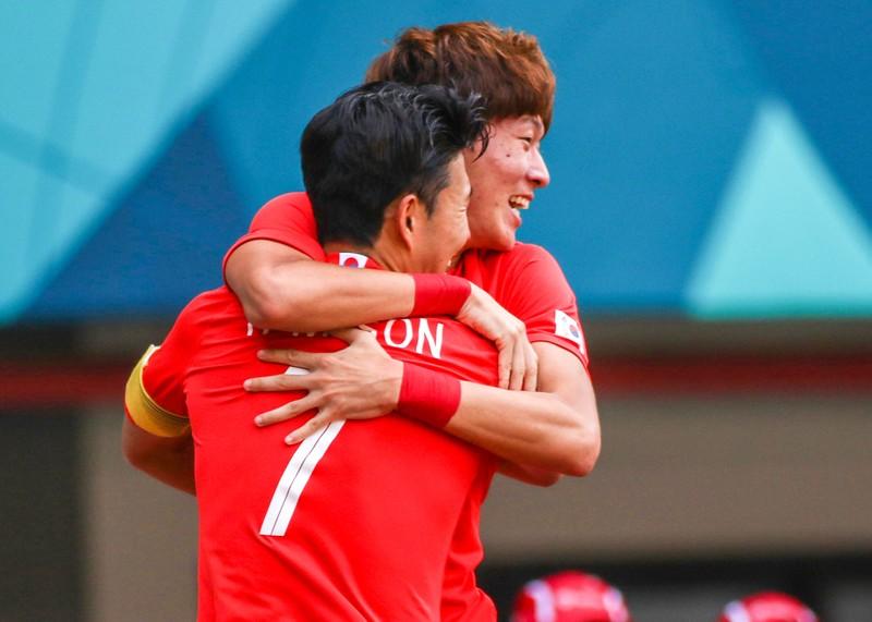 Sao Hàn nào có thể 'đe dọa' thủ môn Bùi Tiến Dũng? - ảnh 1
