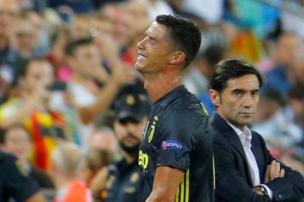 Vì sao Ronaldo khóc? - ảnh 1