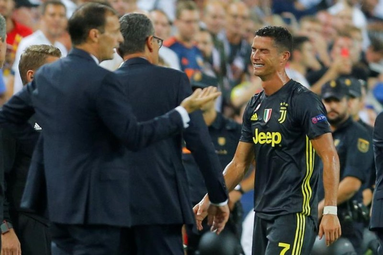 Vì sao Ronaldo khóc? - ảnh 2