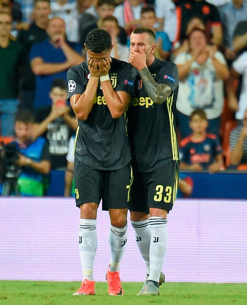 Vì sao Ronaldo khóc? - ảnh 3
