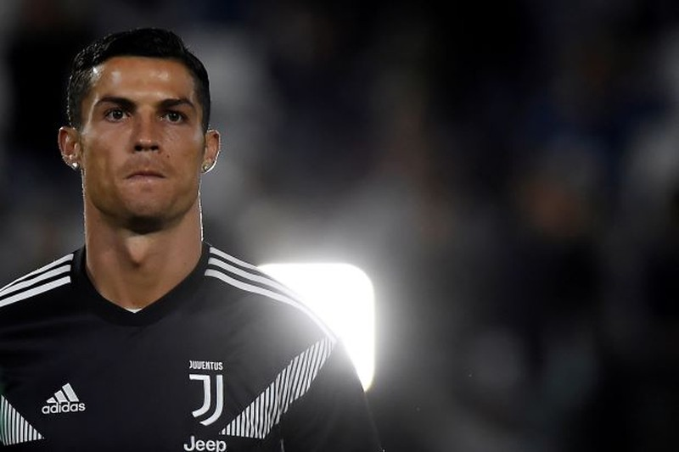 Ronaldo trước nguy cơ tan cửa nát nhà? - ảnh 1