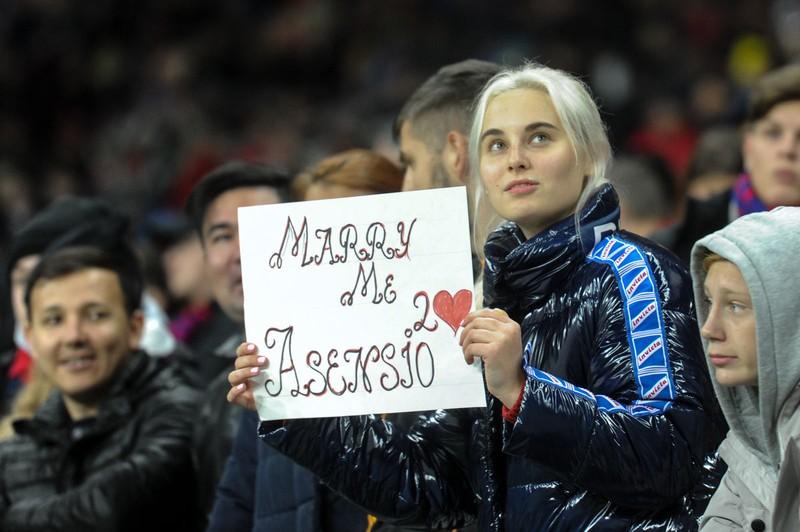 Hạ Real, fan CSKA Moscow mừng còn hơn Nga thắng Tây Ban Nha - ảnh 8