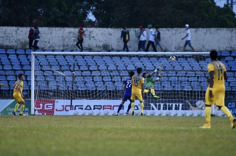 Thắng FLC Thanh Hóa 3-1, B.Bình Dương vô địch Cúp Quốc gia - ảnh 2