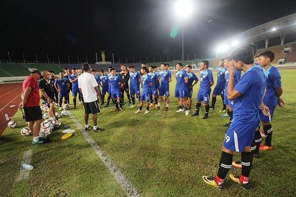 Lào đóng cửa 'luyện công', đặt mục tiêu đả bại tuyển Việt Nam - ảnh 2