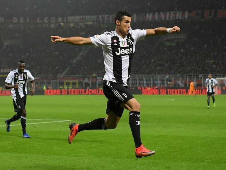 Messi bại, Ronaldo thắng, Federer thua cuộc - ảnh 1