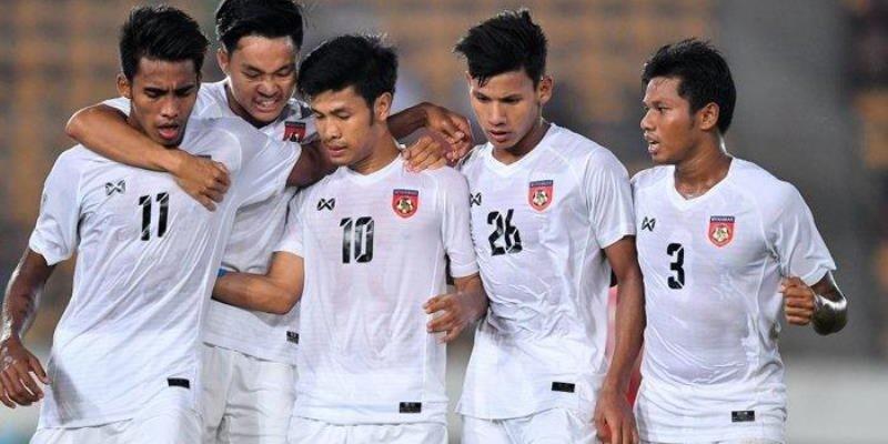 HLV Antoine Hey đội Myanmar: Phải đánh bại tuyển Việt Nam - ảnh 1