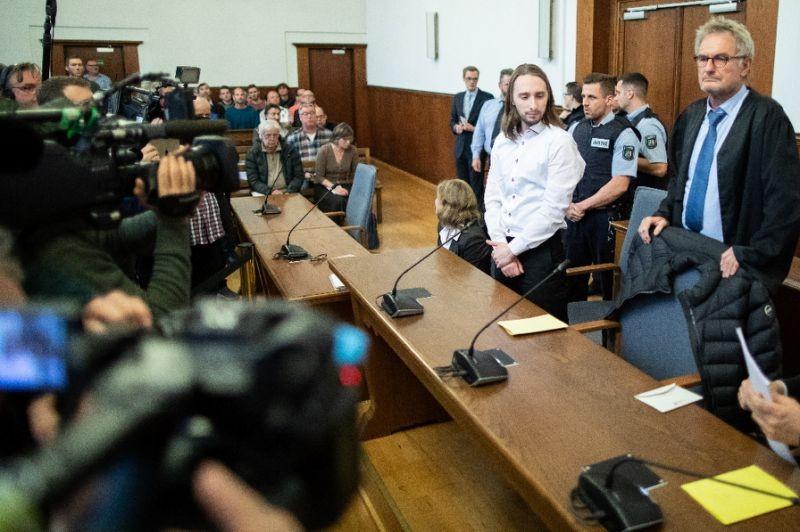 Kẻ đánh bom xe buýt chở CLB Dortmund bị tuyên 14 năm tù  - ảnh 1