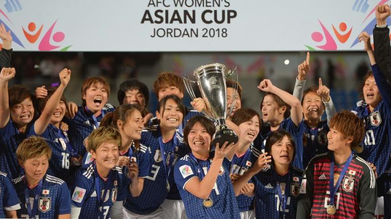 Các danh hiệu bóng đá châu Á 2018: Cả nhà cùng vui - ảnh 1