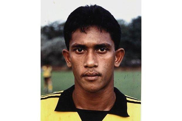 Cựu tuyển thủ Malaysia ra đường ăn xin để kiếm tiền chữa bệnh - ảnh 1
