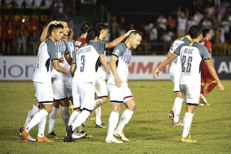 Đội trưởng Philippines ganh tỵ với đội tuyển Việt Nam - ảnh 1