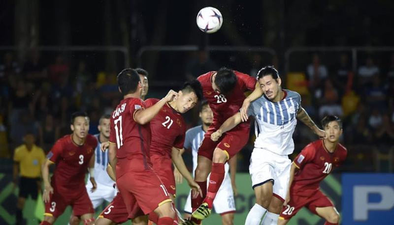 Đối thủ của Việt Nam đánh bại chủ nhà World Cup - ảnh 1