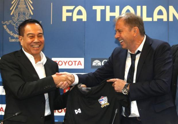Chủ tịch LĐBĐ Thái Lan nói gì khi 'trảm' HLV Rajevac? - ảnh 1