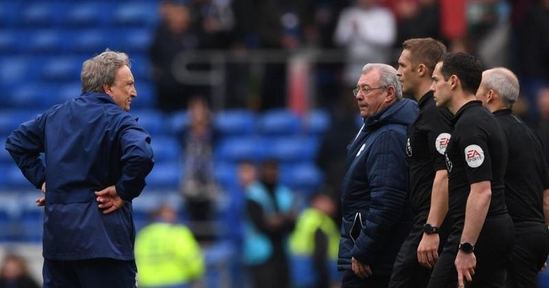 HLV Cardiff City cay cú sau bàn thắng 'ma' của Chelsea - ảnh 1