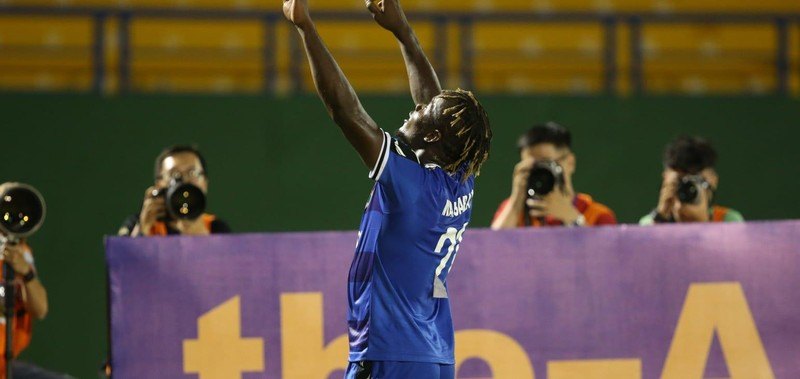 Tô Văn Vũ đoạt danh hiệu 'bàn thắng đẹp nhất tuần' AFC Cup - ảnh 2