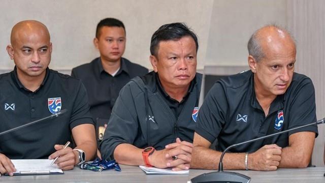Nỗi lo của hai thuyền trưởng bóng đá Thái Lan - ảnh 3
