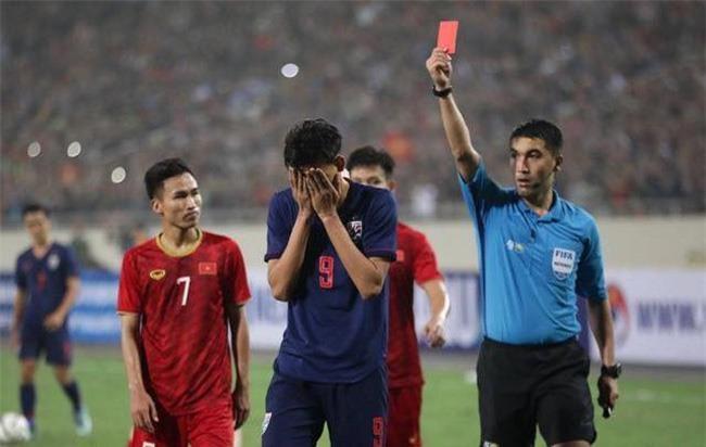Nỗi lo của hai thuyền trưởng bóng đá Thái Lan - ảnh 1
