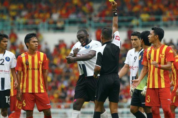Quả bóng vàng thế giới nhận lời giúp vực dậy bóng đá Malaysia - ảnh 1