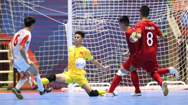 Ngược dòng thắng Tajikistan, Việt Nam vào tứ kết - ảnh 2