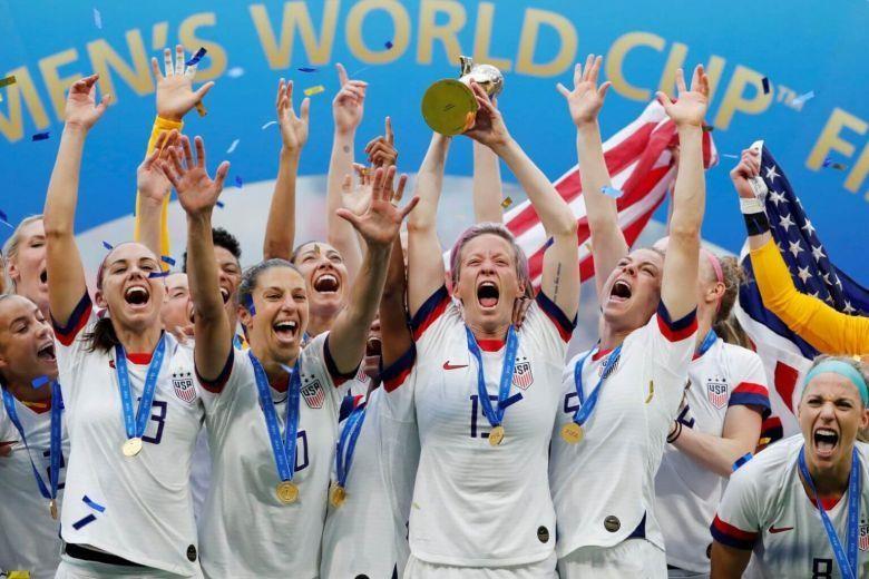 Tuyển nam Mỹ lại 'thua' tuyển nữ - ảnh 1