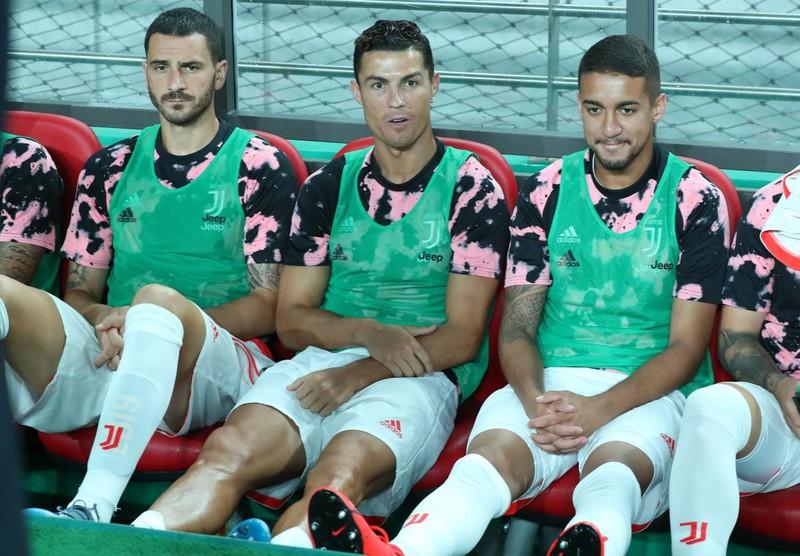 Đi tìm 'cái tình người' trong vụ Ronaldo không ra sân - ảnh 1