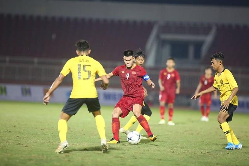U-18 Việt Nam đánh bại ĐKVĐ Đông Nam Á bằng bàn thắng phạt góc - ảnh 2