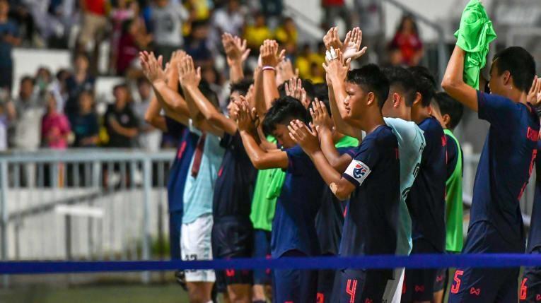 Bóng đá Thái Lan lại bị 'kèo dưới' qua mặt - ảnh 2