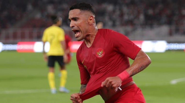 Á quân AFF Cup bất ngờ dẫn đầu bảng G vòng loại World Cup - ảnh 1