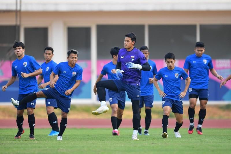 Tawan khuyên cầu thủ Thái đừng cứng nhắc với đấu pháp của HLV - ảnh 2