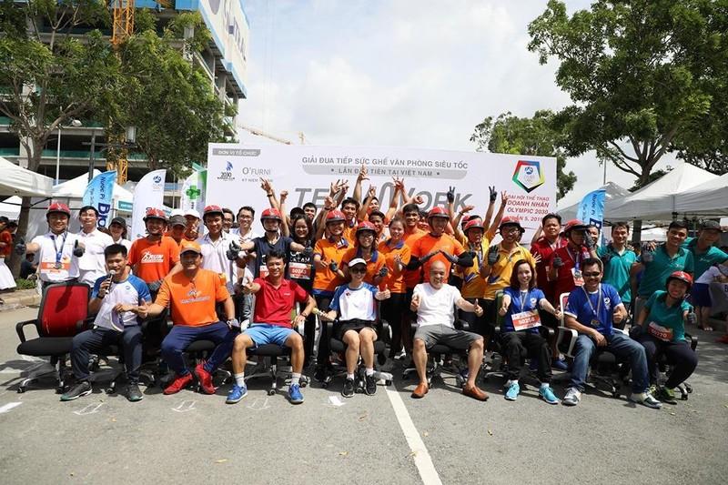 Giải đua... ghế văn phòng lần đầu tiên tại Việt Nam  - ảnh 5