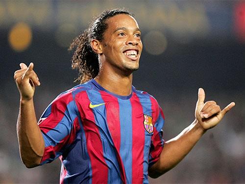 Ronaldinho sang Colombia dạo chơi và kiếm tiền - ảnh 1