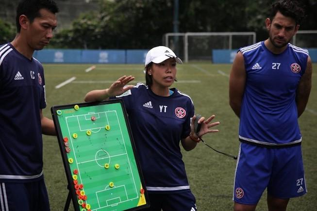 HLV nữ từ Hong Kong sẽ dẫn dắt U-16 Trung Quốc đối đầu U-16 VN - ảnh 2