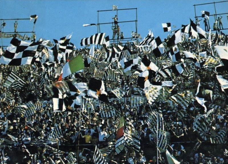 Cảnh sát Ý bắt 12 thủ lĩnh của nhóm fan Ultras - ảnh 1