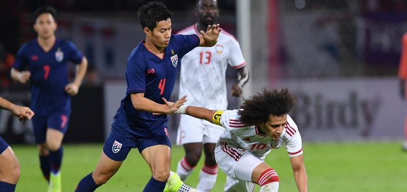 Thắng UAE, Thái Lan vươn lên dẫn đầu bảng vòng loại World Cup - ảnh 4