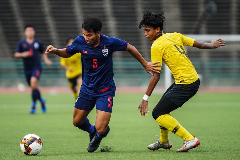 AFF khiến bóng đá Thái Lan chạnh lòng - ảnh 1
