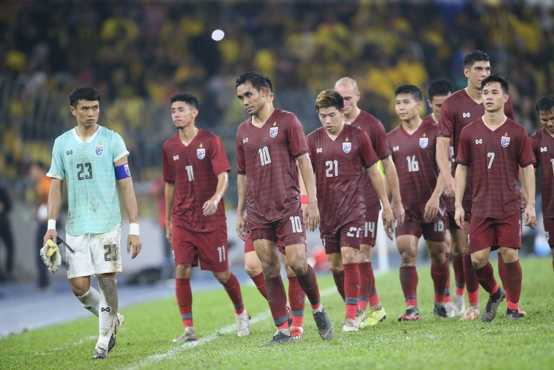 HLV Nishino rối bời trước nguy cơ gãy mục tiêu của Thái Lan - ảnh 4
