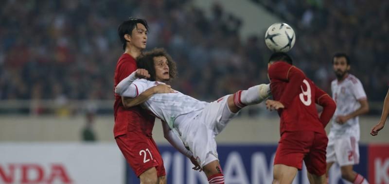 Về nước, ông Van Marwijk nói gì về cầu thủ Việt Nam? - ảnh 3