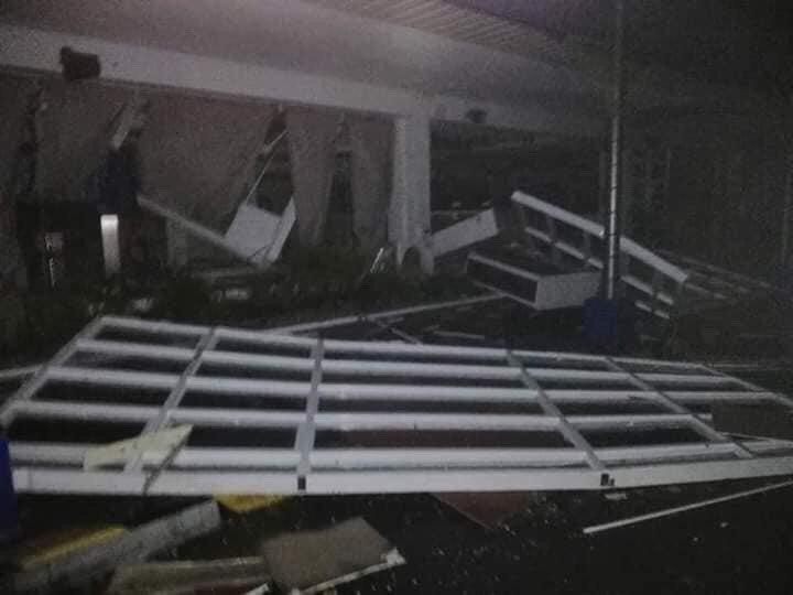 Siêu bão tràn vào Philippines, trận VN - Singapore có bị hoãn? - ảnh 2