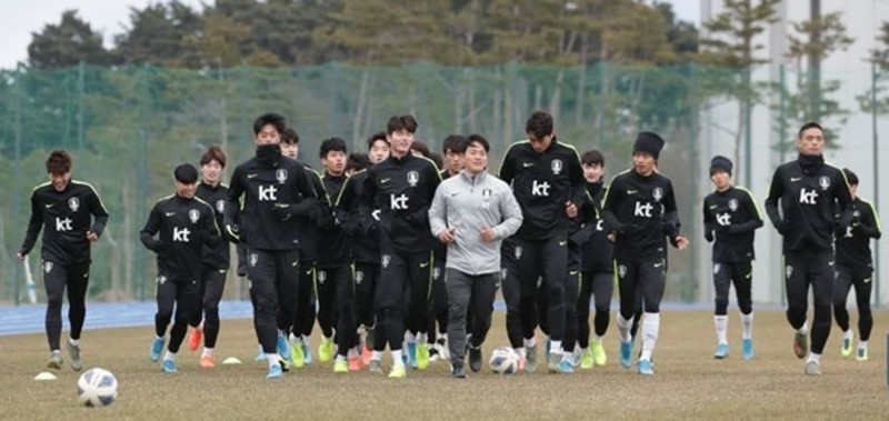 U-23 Hàn Quốc gọi ngôi sao nước ngoài về, Việt Nam thì không - ảnh 3