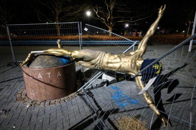 Sốc: Ibrahimovic 'tan nát' tại Malmo - ảnh 1