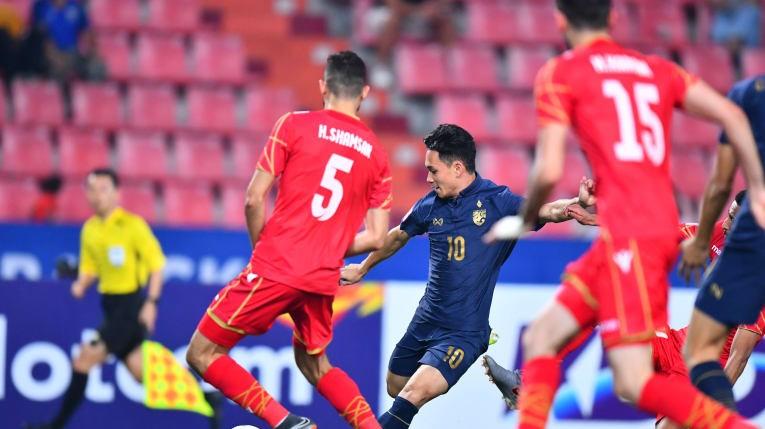 HLV Nishino nói gì sau chiến thắng '5 sao' của U-23 Thái Lan? - ảnh 1