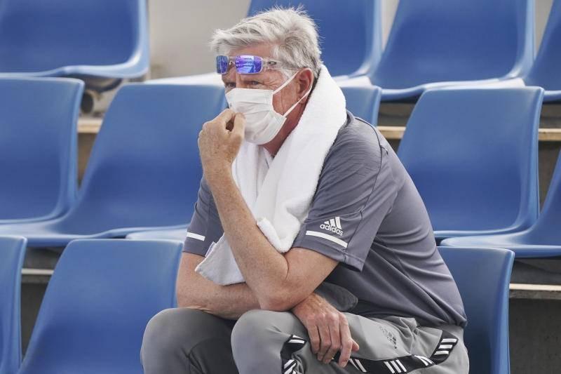 VĐV ngất xỉu khi thi đấu vì khói bụi cháy rừng ở Úc - ảnh 1