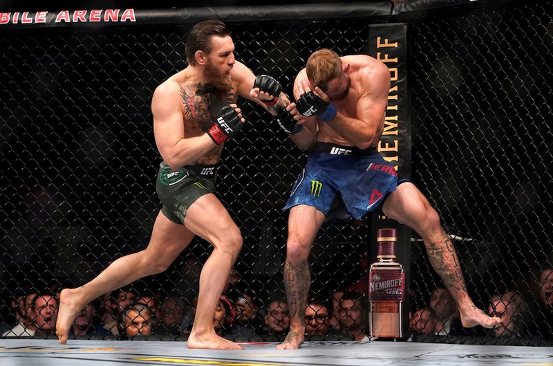 McGregor trở lại hoành tráng, Khabib cười mỉa - ảnh 1