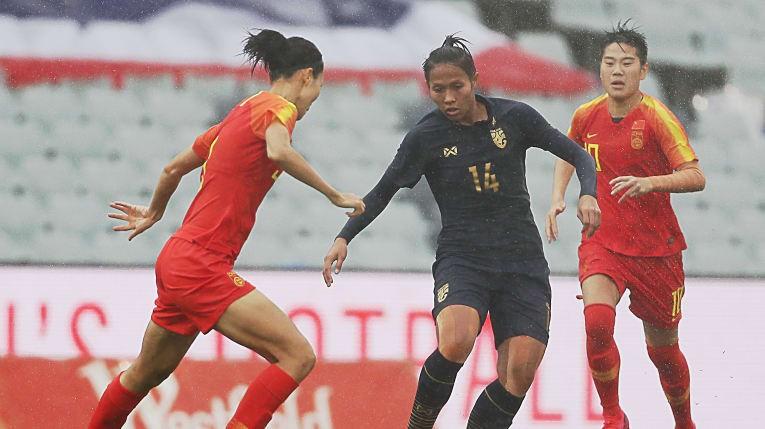 Thua đậm Trung Quốc, tuyển Thái Lan tan vỡ giấc mơ Olympic - ảnh 1