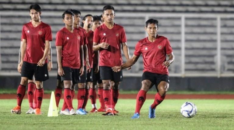 Tuyển Indonesia chia tay Nike về 'tắm ao nhà' - ảnh 1