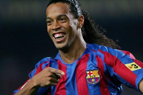 Ronaldinho bị bắt giam ở Paraguay - ảnh 1